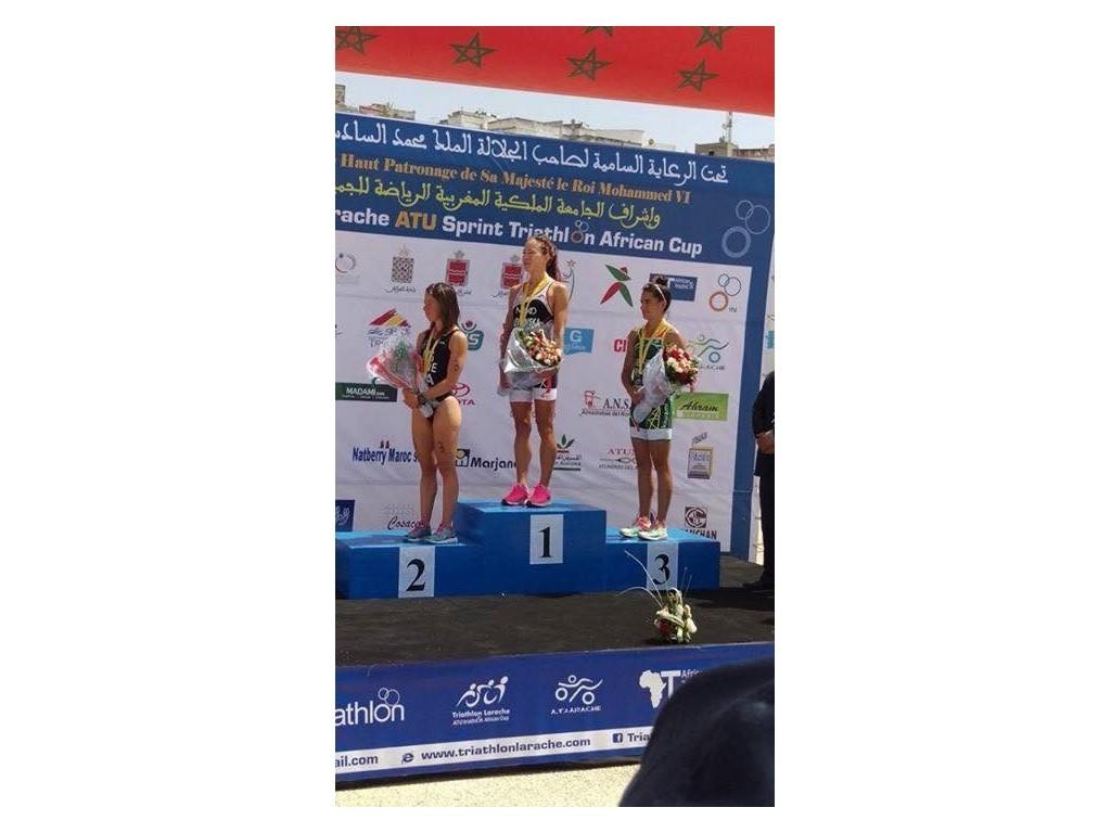 Susya Levkovskaya triatleta de Bicicletas Pina Tritoledo vence en la Copa de Africa de Triatlón